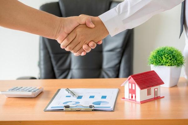 ذکر تعهدات و وظایف مشاور املاک در فرم استخدام مشاور املاک
